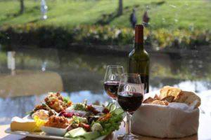 lunch at brick bay winery on matakana wine tour